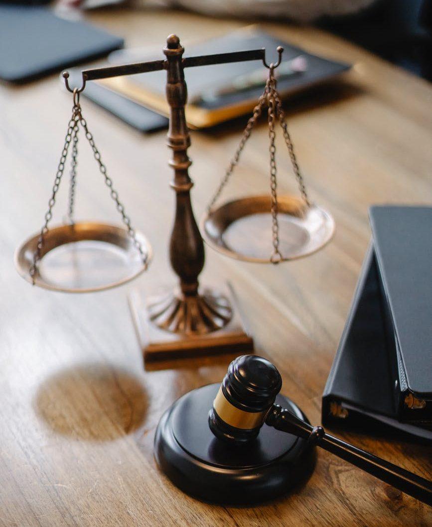 escritorio de juez