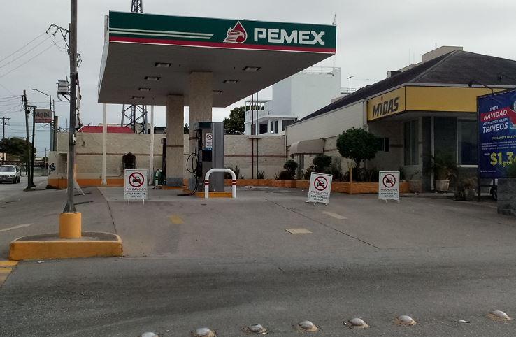 cierre de tres gasolineras