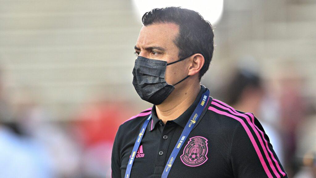 Luis Pérez sería el entrenador del tri sub-23