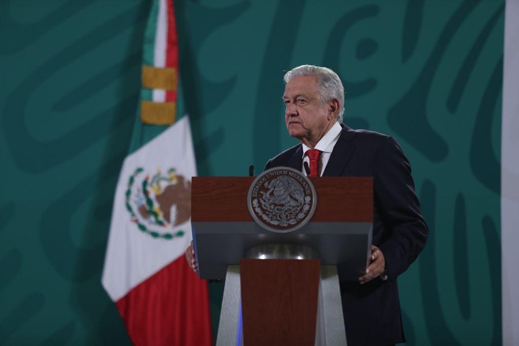 AMLO declaró que va a seguir conteniendo la migración hacia Estados Unidos. Dijo que se deben buscar soluciones de fondo.