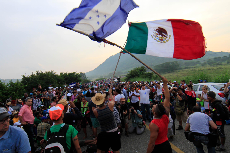 Un grupo de unos 600 migrantes centroamericanos, venezolanos y caribeños partieron desde Chiapas con dirección a los Estados Unidos.