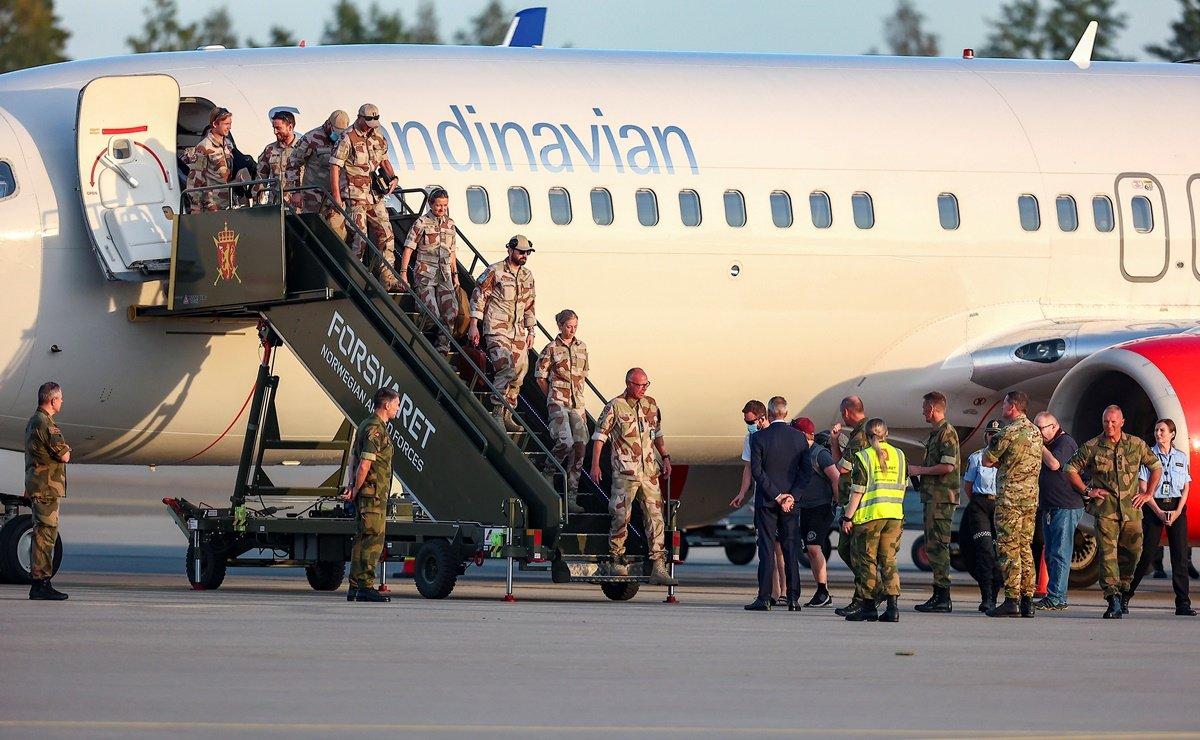 Este lunes, al salir los últimos aviones con sus tropas, Estados Unidos dio por terminada su misión en Afganistán, tras 20 años de guerra.