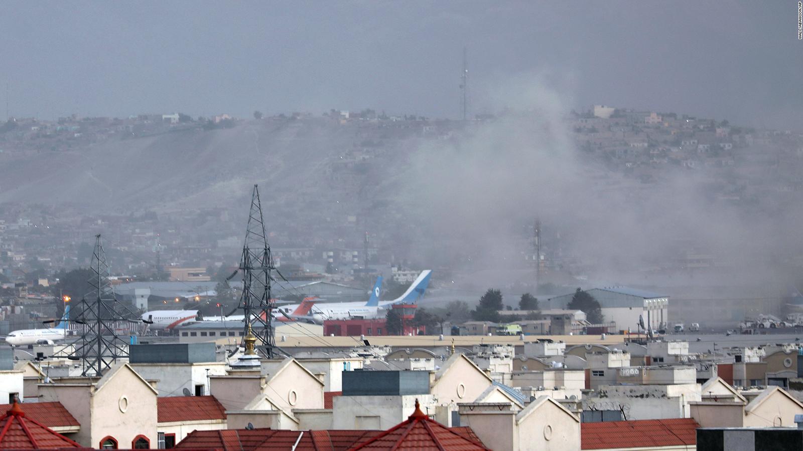 Se registró una nueva explosión cerca del aeropuerto de Kabul en donde según un médico del hospital Khairkhana hay al menos 5 muertos.