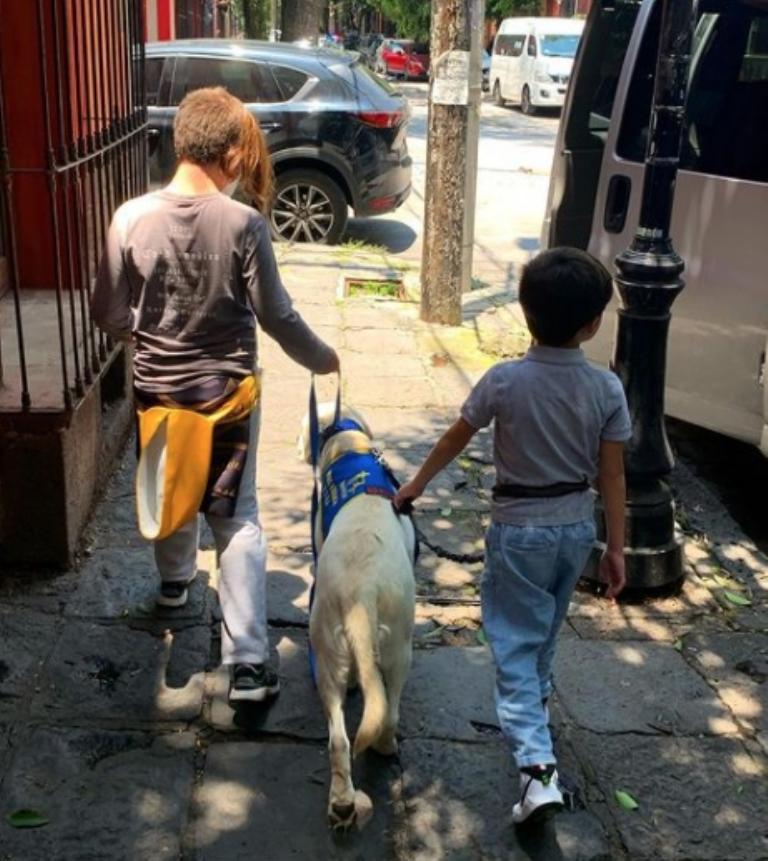 Exconductora denunció discriminación hacia su hijo
