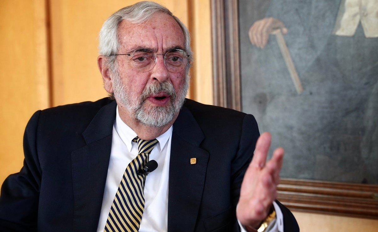 Enrique Graue, rector de la UNAM, pidió la remoción del doctor Iván Ruiz García, quien habría hecho una apología del feminicidio.