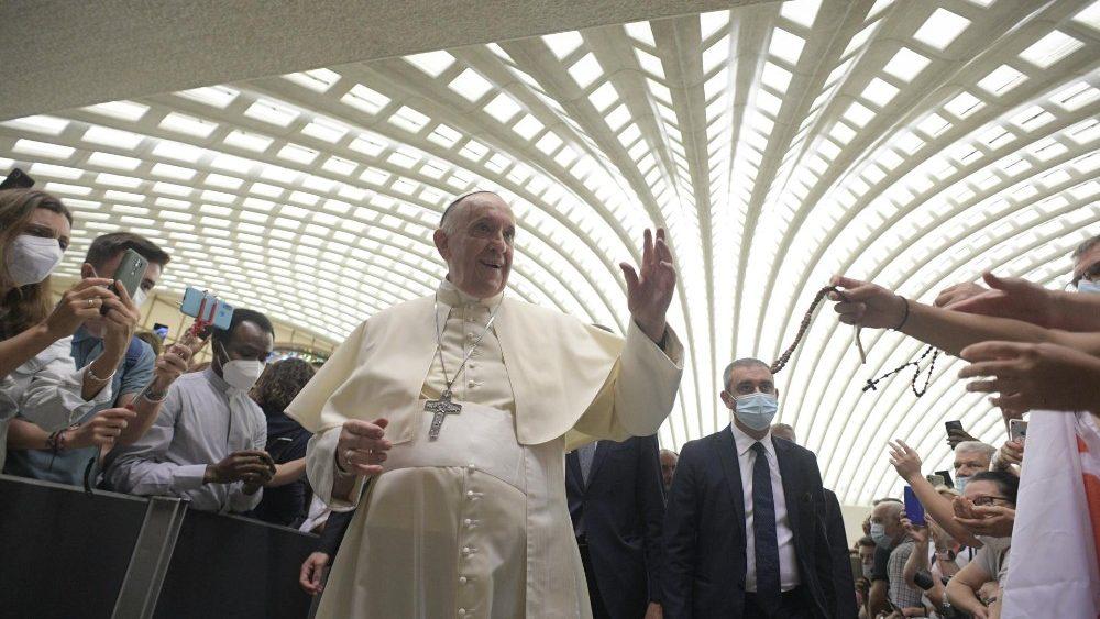 Francisco alaba a los atletas paralímpicos por testimonio de esperanza. Al final de su audiencia general, el Pontífice saludó a los atletas