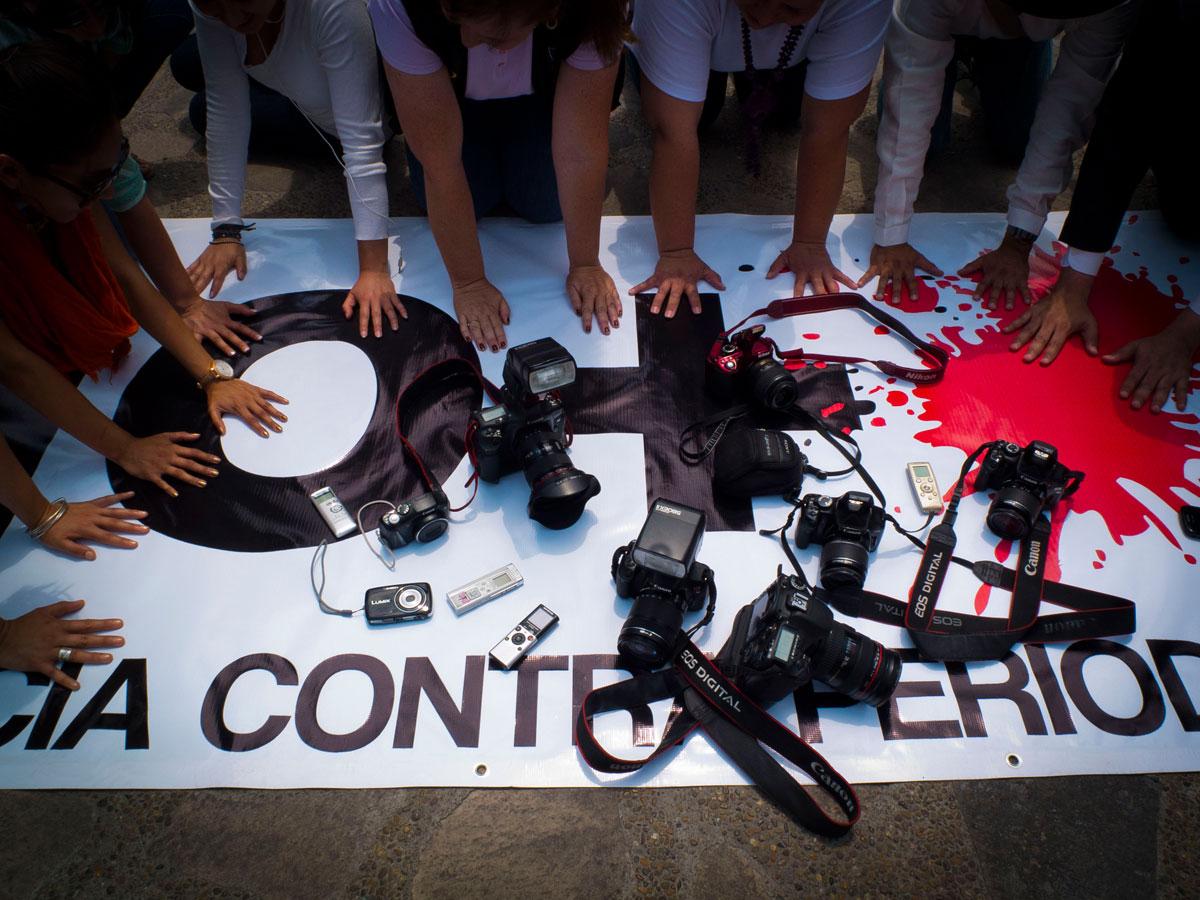 La organización Artículo 19 resaltó que la violencia contra la prensa en la 4T está lejos de revertirse. Van mil 663 agresiones reportadas.