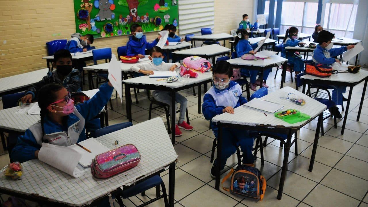 Ante el anuncio de regreso a clases de la SEP, la Dra. Ximénez-Fyvie advirtió que México no esta listo para regresar a clases presenciales.