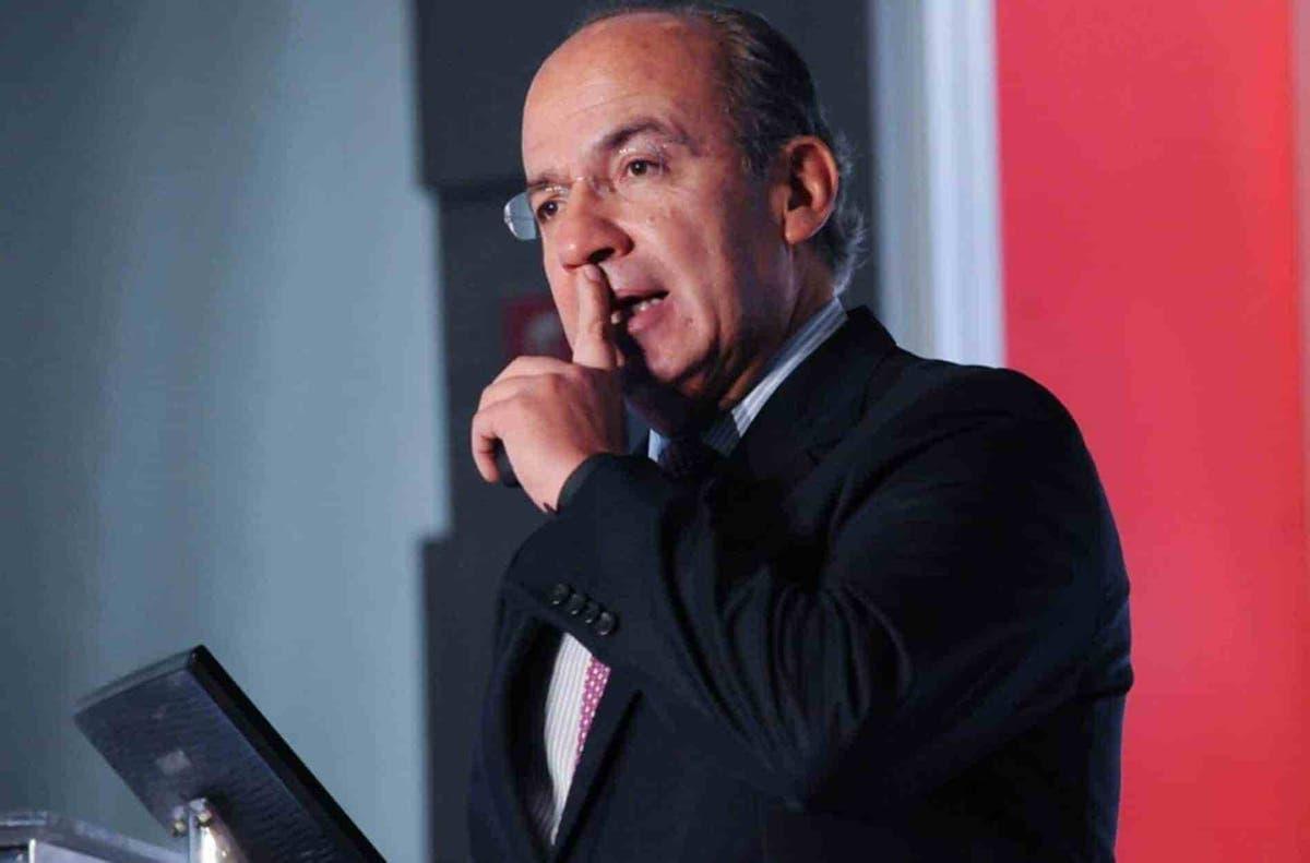 A través de sus redes sociales, el ex-presidente Calderón señaló al gobierno de la 4T por realizar 'persecución política' en su contra.