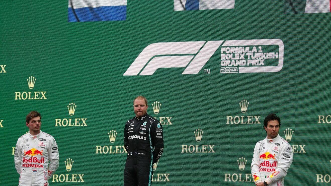 Checo Pérez terminó en tercer lugar