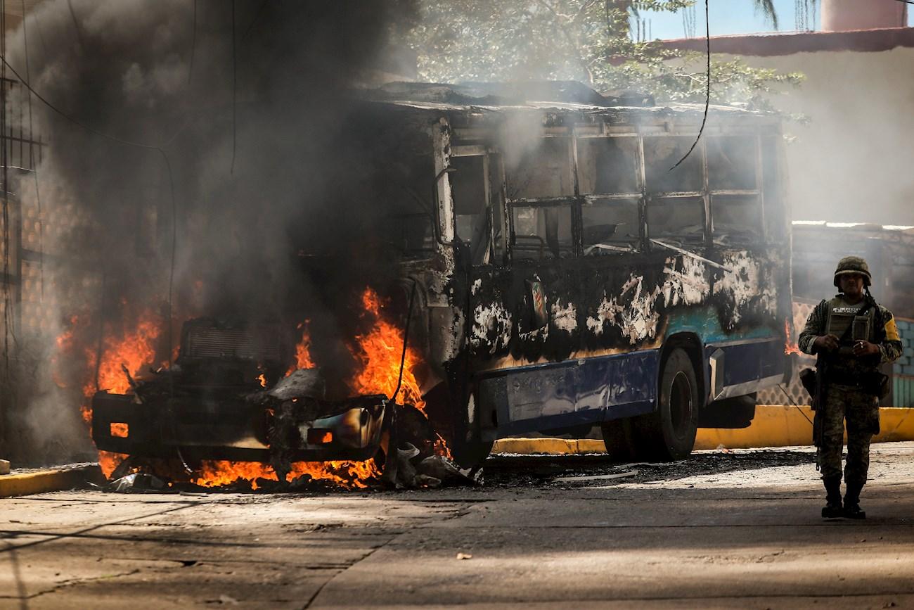En Acapulco tres vehículos incendiados
