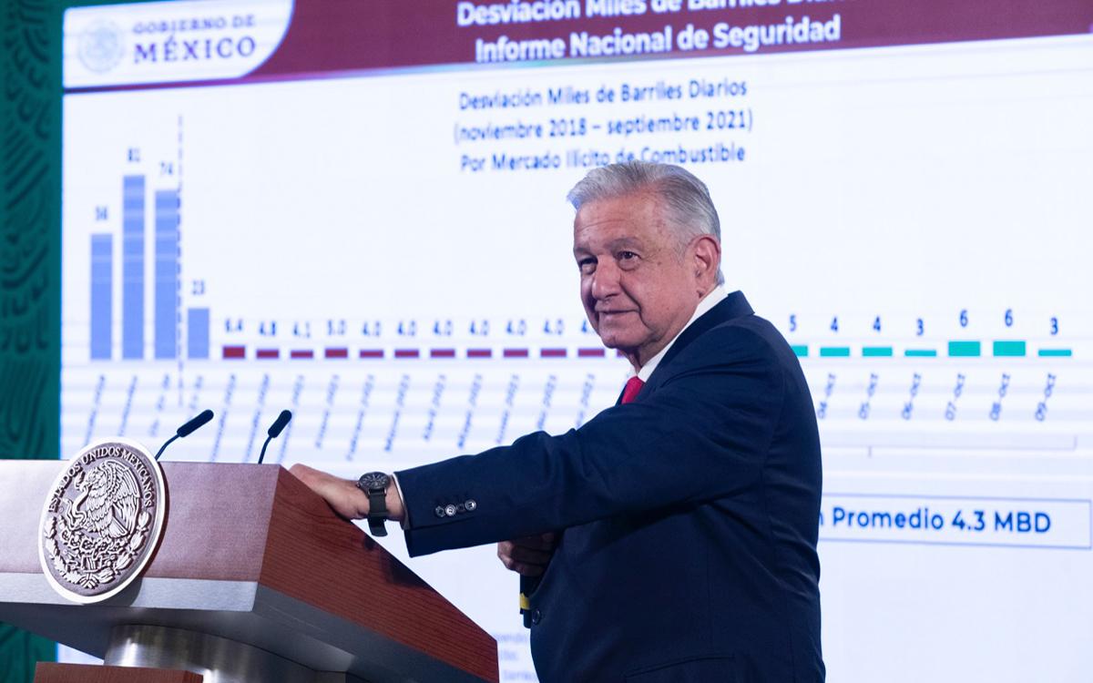 """El presidente, Andres Manuel López Obrador (AMLO) señalo a 'famosas' empresas extranjeras como Trafigura por """"huachicoleo""""."""