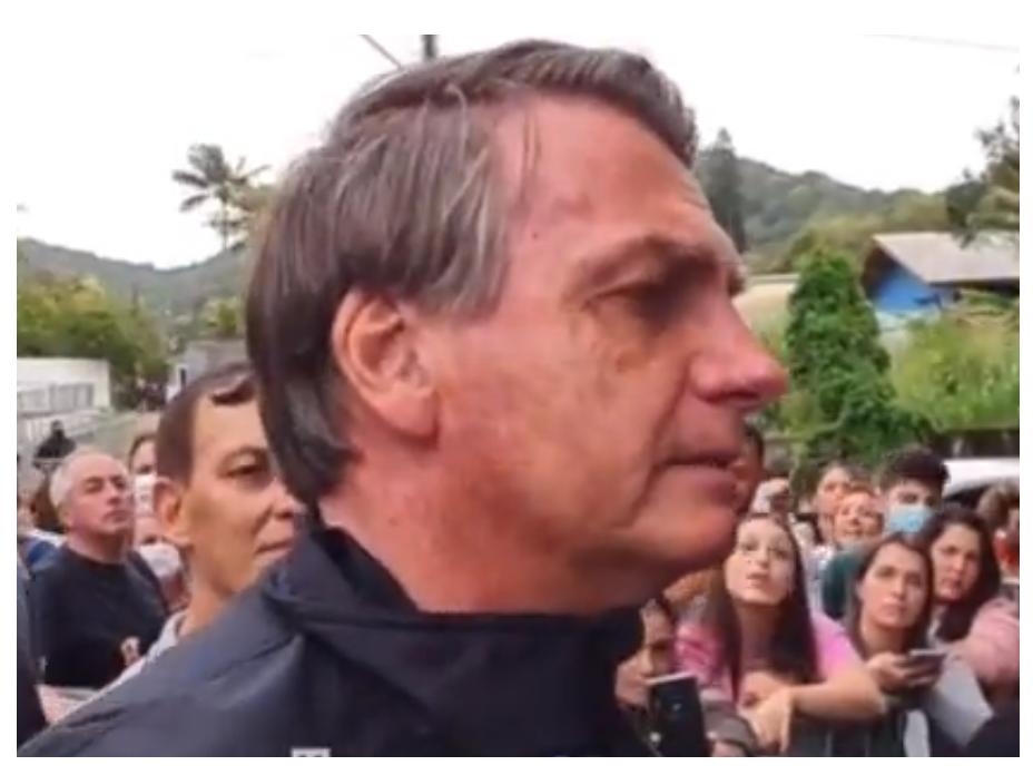 niegan la entrada a un partido a Bolsonaro