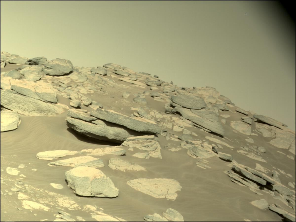 Misión Perseverance confirma que cráter Jezero del planeta rojo era un enorme lago, esto confirma la posibilidad de que haya agua en Marte.